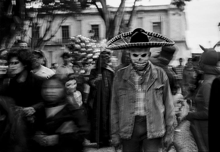 https://dellanohlphotography.com/2014/10/27/oaxaca-at-night-dia-de-los-muertos/